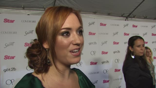 Andrea Bowen on being a fan of Star Magazine on what she thinks about Miley Cyrus no longer Twittering on if she's excited for New Moon and on what...
