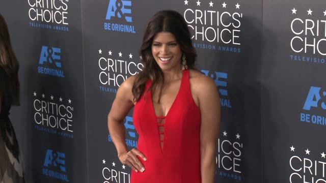 andrea navedo at the 2015 critics' choice television awards at the beverly hilton hotel on may 31, 2015 in beverly hills, california. - 放送テレビ批評家協会賞点の映像素材/bロール