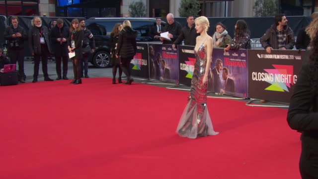 andrea riseborough at 'the irishman' international premiere 63rd bfi london film festival closing carpet on october 13 2019 in london england - premiere stock-videos und b-roll-filmmaterial
