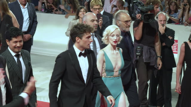 andrea riseborough dane dehaan roberto saviano and the cast of 'zerozerozero' red carpet arrivals 76th venice film festival on september 05 2019 in... - 76th venice film festival 2019点の映像素材/bロール