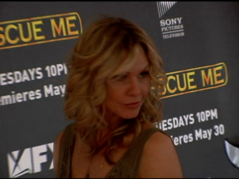 vídeos de stock, filmes e b-roll de andrea roth at the season 3 new york premiere screening of 'rescue me' at the ziegfeld theatre in new york new york on may 24 2006 - rescue me