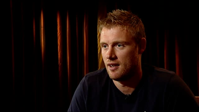 andrew flintoff interview flintoff along on crutches and taking seat for interview andrew flintoff interview sot on dubai convenience for rehab... - sport venue stock videos & royalty-free footage