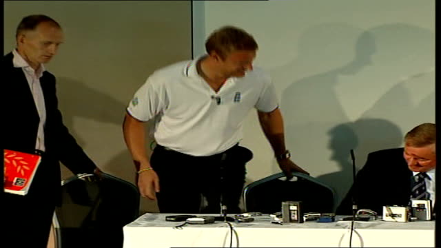 andrew flintoff named captain for ashes series int andrew 'freddie' flintoff along to press conference pan andrew flintoff press conference sot very... - team captain stock videos & royalty-free footage