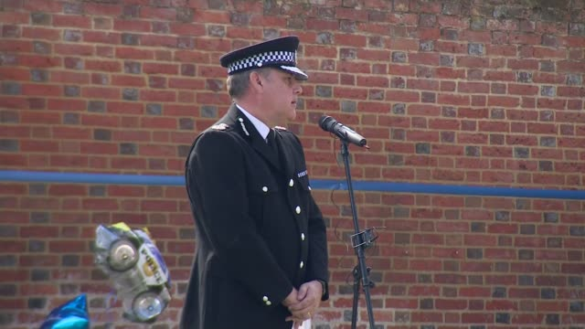 thames valley police tribute england oxfordshire kidlington revd helen arnold speech sot john campbell speech sot gvs police whistle and silence - trillerpfeife stock-videos und b-roll-filmmaterial