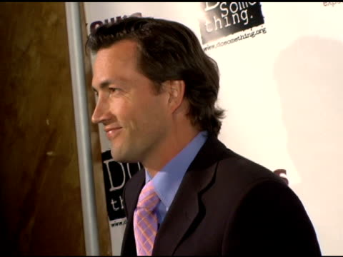 andrew shue at the 2006 brick awards from do something in celebration of young social entrepreneurs and celebrity and corporate philanthropists at... - ドゥーサムシング点の映像素材/bロール