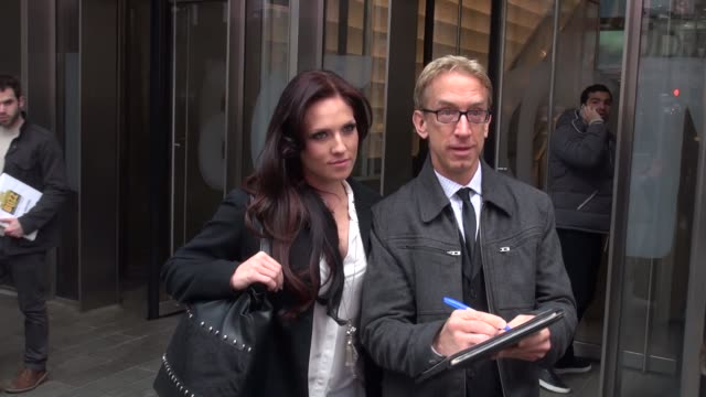 vídeos de stock, filmes e b-roll de andy dick and sharna burgess at the vh1 studio in new york ny on 3/11/13 - andy dick