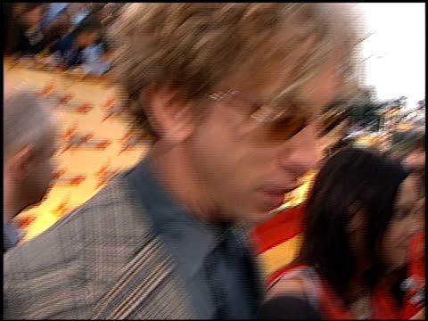 vídeos de stock, filmes e b-roll de andy dick at the 2001 mtv movie awards entrances at the shrine auditorium in los angeles california on june 2 2001 - andy dick