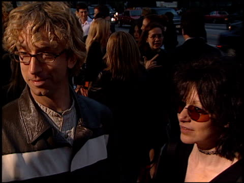 vídeos de stock, filmes e b-roll de andy dick at the '28 days' premiere at academy theatre in beverly hills california on april 6 2000 - andy dick
