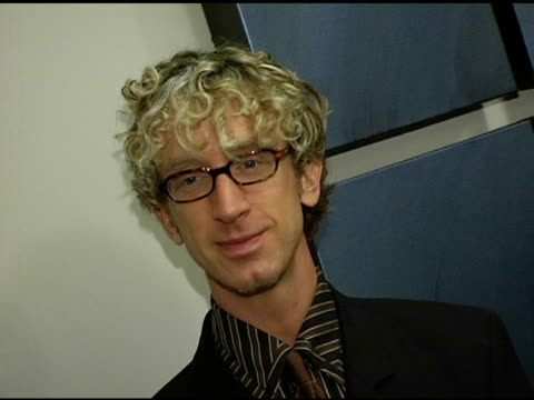 vídeos de stock, filmes e b-roll de andy dick at the benefit for toys for tots hosted by kathy griffin at kathy griffin's home in los angeles california on december 9 2004 - andy dick