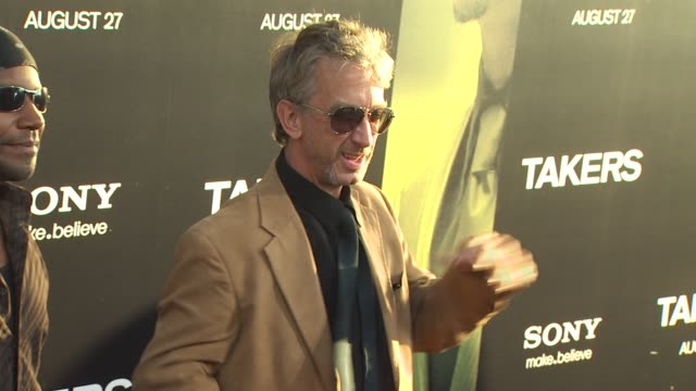 vídeos de stock, filmes e b-roll de andy dick at the 'takers' premiere at los angeles ca - andy dick