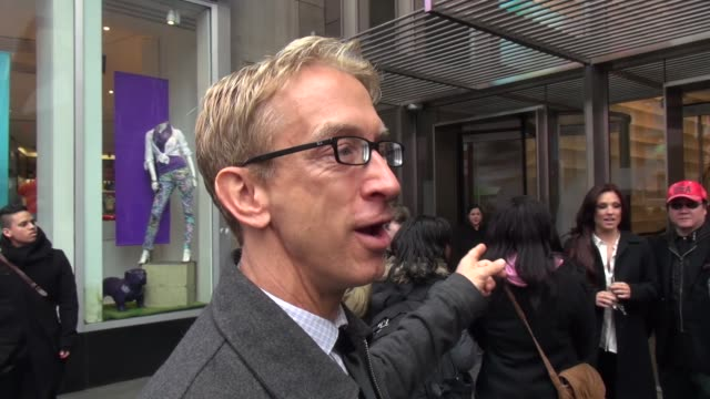 vídeos de stock, filmes e b-roll de andy dick at the vh1 studio in new york ny on 3/11/13 - andy dick
