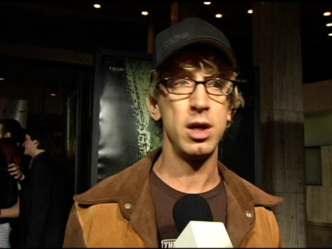 vídeos de stock, filmes e b-roll de andy dick on coming to premiere to support ryan reynolds loving horror movies ryan playing dark role in the film favorite horror films what scares... - andy dick