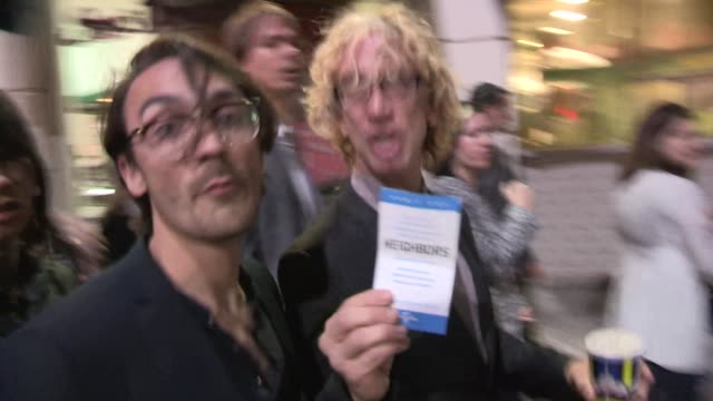 vídeos de stock, filmes e b-roll de andy dick t mills departing the neighbors premiere in westwood at celebrity sightings in los angeles on april 28 2014 in los angeles california - andy dick