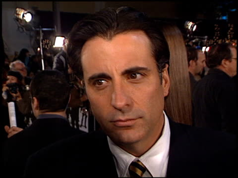 andy garcia at the 'oceans 11' premiere at the mann village theatre in westwood california on november 5 2001 - regency village theater stock-videos und b-roll-filmmaterial
