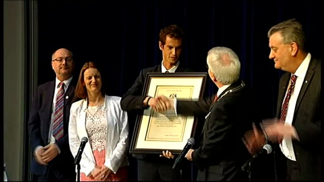 andy murray given the freedom of stirling scotland dunblane int andy murray presented with freedom of the city of stirling award by stirling provost... - ダンブレーン点の映像素材/bロール
