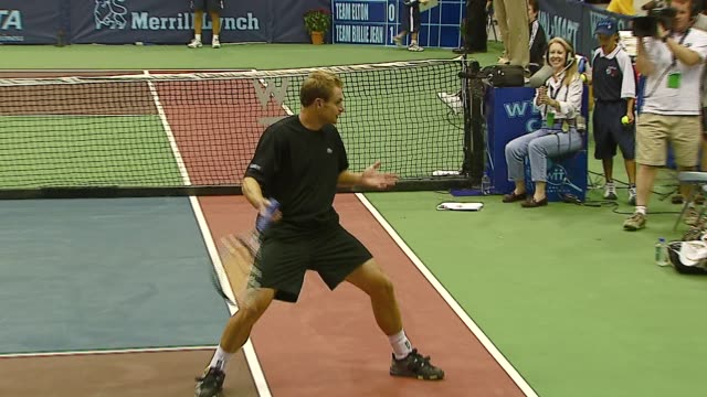 andy roddick at the advanta presents wtt smash hits celebrity tennis tournament at bren center university of irvine in irvine california on september... - andy roddick stock videos and b-roll footage