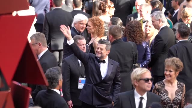 vídeos de stock e filmes b-roll de andy serkis at 90th academy awards - arrivals - alternative views at dolby theatre on march 04, 2018 in hollywood, california. - the dolby theatre