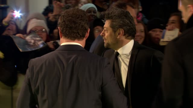 andy serkis at 'the hobbit' uk premiere and royal film performance at odeon leicester square on december 12, 2012 in london, england. - andy serkis stock videos & royalty-free footage