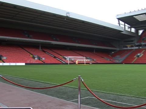 stockvideo's en b-roll-footage met anfield internal stadium general views at anfield on september 20, 2011 in liverpool, england - vrijetijdsfaciliteiten