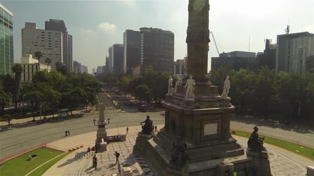 vídeos de stock, filmes e b-roll de angel column - monumento da independência paseo de la reforma