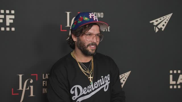 """angel manuel soto at the laliff closing night """"women is losers,"""" red carpet capture produced by cindy maram, dig in magazine/in close entertainment... - tcl chinese theatre stock videos & royalty-free footage"""