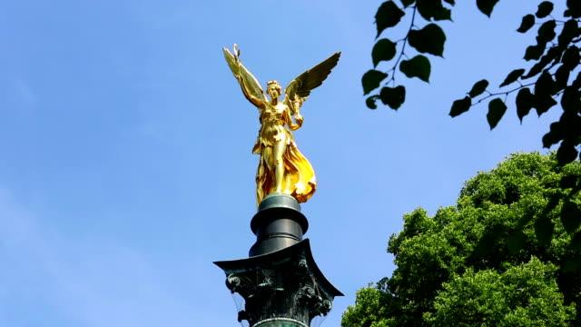 angel of peace spalte und statue in münchen - gott stock-videos und b-roll-filmmaterial