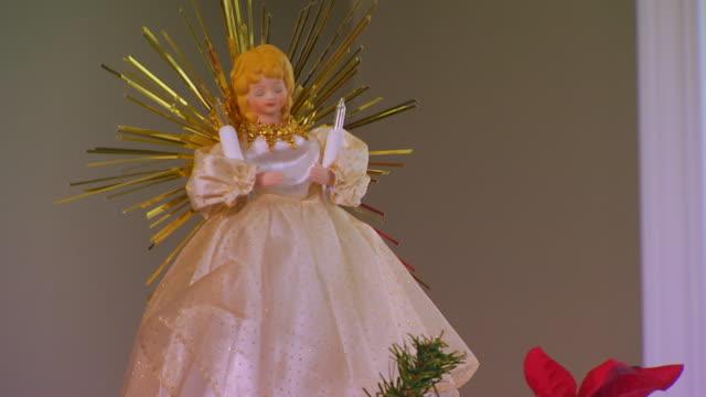 angel on top of tree close up - angel点の映像素材/bロール