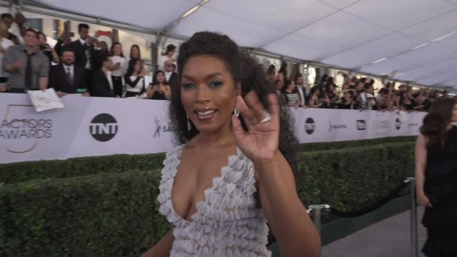 angela bassett at the 25th annual screen actors guild awards social ready content at the shrine auditorium on january 27 2019 in los angeles... - 映画俳優組合点の映像素材/bロール