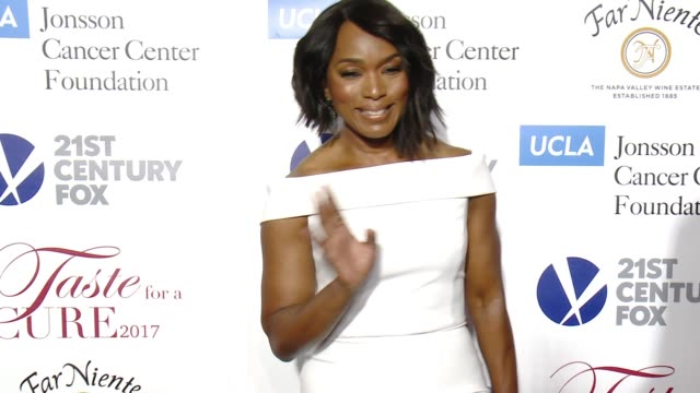 "Angela Bassett at UCLA Jonsson Cancer Center Foundation Hosts 22nd Annual ""Taste for a Cure"" Event Honoring Yael and Scooter Braun in Los Angeles CA"