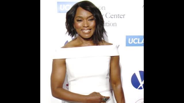 "GIF Angela Bassett at UCLA Jonsson Cancer Center Foundation Hosts 22nd Annual ""Taste for a Cure"" Event Honoring Yael and Scooter Braun"