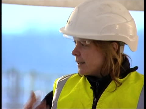 vídeos y material grabado en eventos de stock de angela boyle interview sot cutaways archaeologists working at site where chariot & bones were discovered i/c marquee over archaeological site where... - number 9