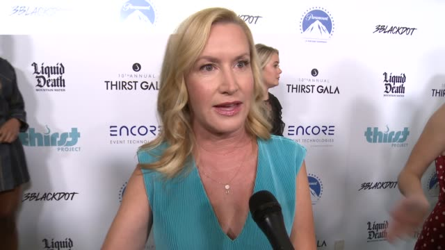 interview angela kinsey at thirst project's 10th annual thirst gala at the beverly hilton hotel on september 28 2019 in beverly hills california - angela kinsey stock videos and b-roll footage