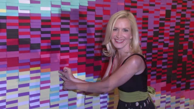 angela kinsey unveils postit 30th anniversary billboard new york ny united states - angela kinsey stock videos and b-roll footage