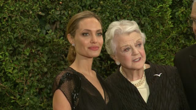 vidéos et rushes de angela lansbury, angelina jolie at academy of motion picture arts and sciences' governors awards in hollywood, ca, on . - academy of motion picture arts and sciences