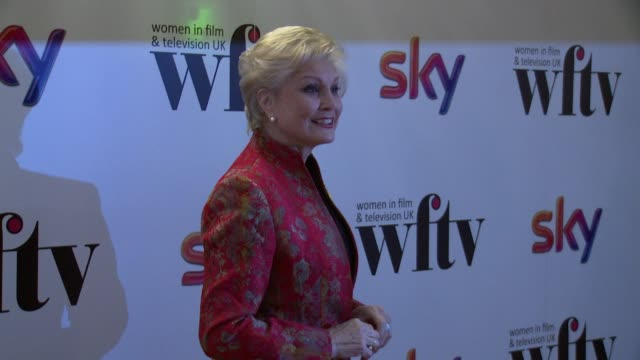 angela rippon at the sky women awards at london hilton on december 06, 2013 in london, england - アンジェラ リッポン点の映像素材/bロール