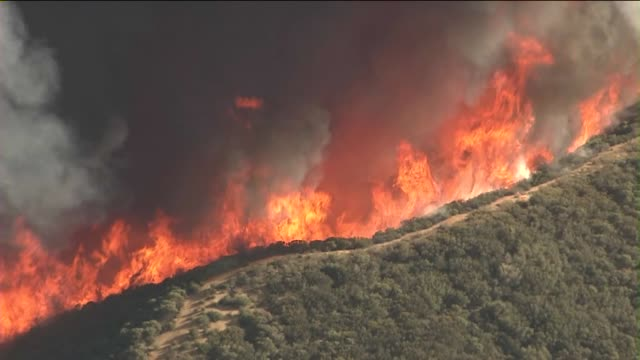 angeles national forest fire aerials on may 30, 2013 in santa clarita, california - santa clarita stock videos & royalty-free footage