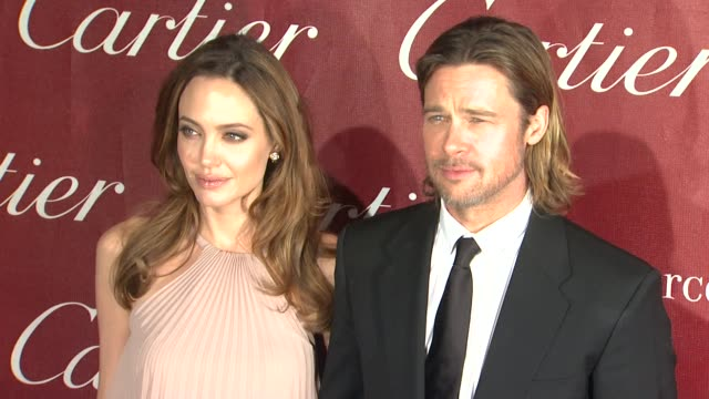vídeos de stock, filmes e b-roll de angelina jolie and brad pitt at the 23rd annual palm springs international film festival awards gala on 1/7/2012 in palm springs ca - brangelina casal