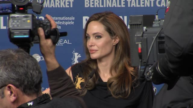 angelina jolie at in the land of blood and honey press conference: 62nd berlin international film festival 2012 on february 11, 2012 in berlin,... - angelina jolie stock-videos und b-roll-filmmaterial