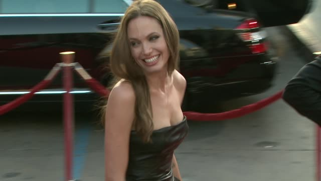 Angelina Jolie at the 'Inglourious Basterds' Premiere at Hollywood CA
