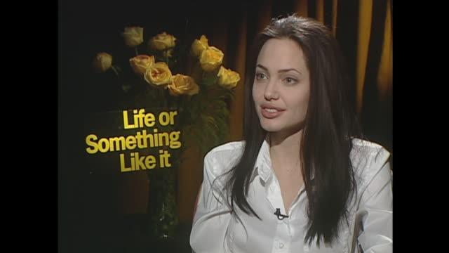 angelina jolie on mental health - インタビュー素材点の映像素材/bロール