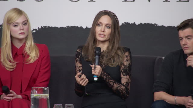 angelina jolie on why the message of this film is finding your true self at maleficent: mistress of evil' - press conference on october 10, 2019 in... - angelina jolie stock-videos und b-roll-filmmaterial