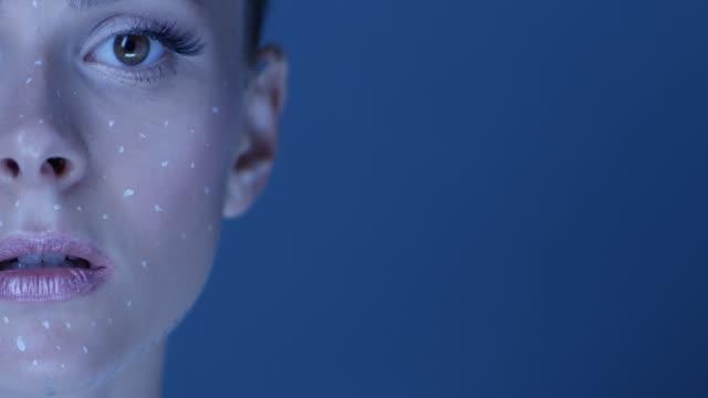 vídeos y material grabado en eventos de stock de modelo de ángel-como se ve en la cámara. video de la moda. - tipos de piel