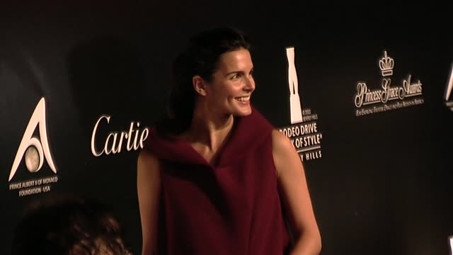 angie harmon at the 2009 rodeo drive walk of style award at beverly hills ca. - angie harmon stock videos & royalty-free footage