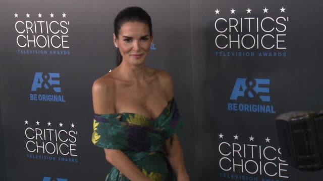 angie harmon at the 2015 critics' choice television awards at the beverly hilton hotel on may 31, 2015 in beverly hills, california. - angie harmon stock videos & royalty-free footage