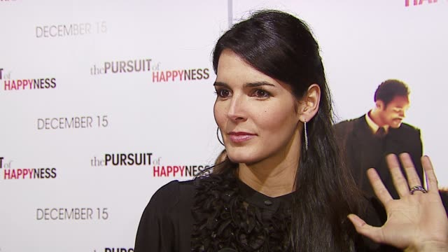 angie harmon on being a fan of will smitj as a person and an actor, on her favorite part of the film, on holiday plans with her family at the 'in the... - angie harmon stock videos & royalty-free footage