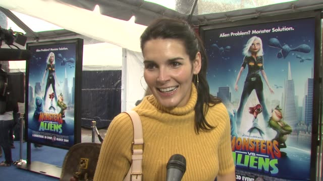 angie harmon on the event her love of animated movies at the premiere of dreamworks' 'monsters vs aliens' at los angeles ca - angie harmon stock videos & royalty-free footage