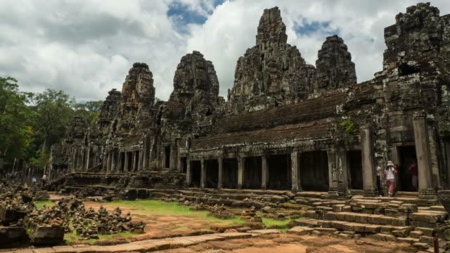 angkor bayon stone castle - mythologie stock-videos und b-roll-filmmaterial