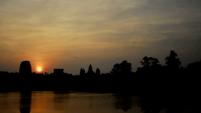 Angkor Wat Sunrise Time Lapse (1080 HD)