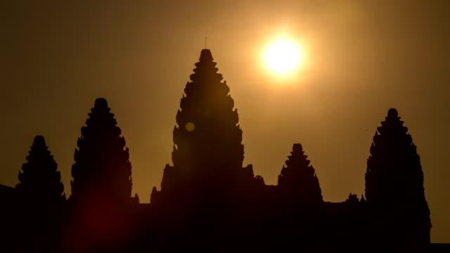 vídeos de stock e filmes b-roll de angkor wat nascer do sol - vala