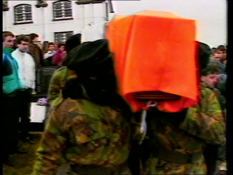 anglo / irish poll; itn lib northern ireland: belfast tcms side sir john herman along r-l at funeral parade tcms ditto itn lib south armagh:... - belfast stock-videos und b-roll-filmmaterial